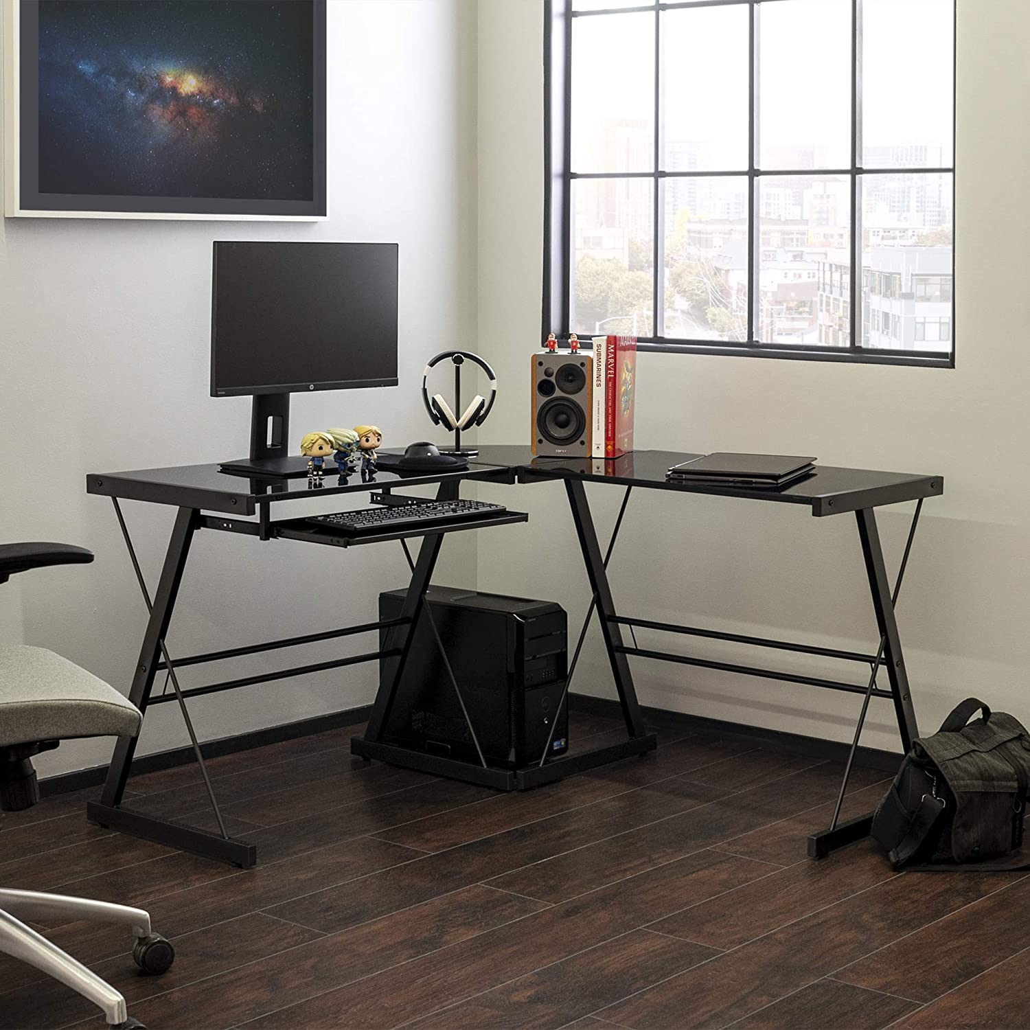 Modern Corner Desk with Stylish L-Shaped Design